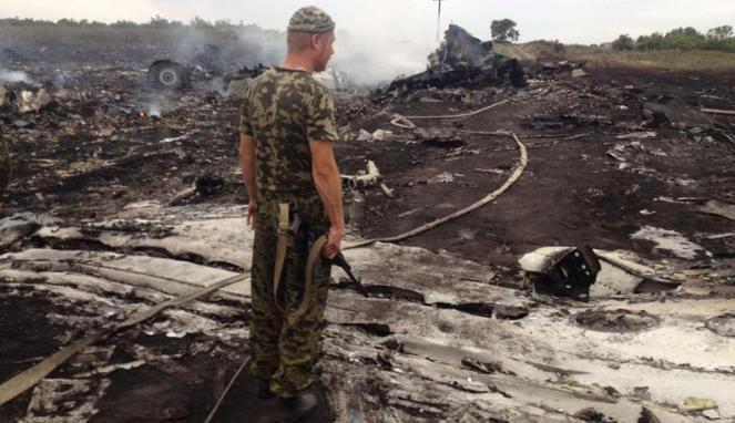 Cerita dan Keterangan Saksi Mata yang Melihat Langsung Pesawat MH17 Ditembak dan Meledak